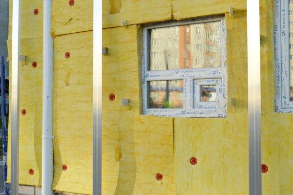 insulation-978999_960_720-600x399 Как перекрыть крышу - подробная инструкция от Центра Мастеров Кровли