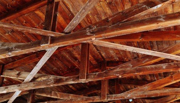 ceiling-construction-1529159_960_720-600x343 Ремонт и реконструкция кровли своими руками - подробная инструкция от ЦМК