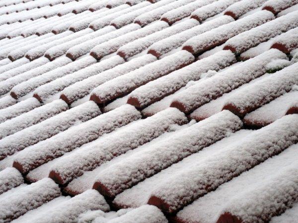 roof-992846_960_720-600x450 Ремонт и реконструкция кровли своими руками - подробная инструкция от ЦМК